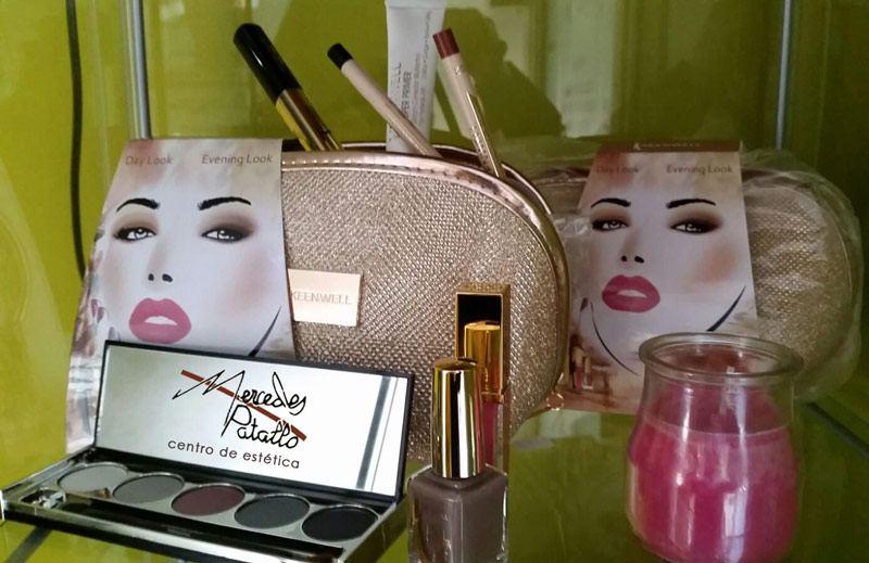 Comprar online Pack regalo Keenwell compuesto por productos de maquillaje de alta calidad